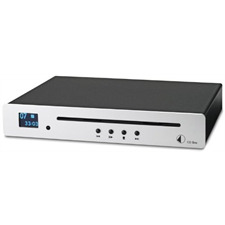Pro-Ject CD Box - CD-Player (Slot-in Mechanismus / inkl. D/A-Wandler 24Bit/96kHz Texas Instruments (TLV320DAC23) / mit LCD-Display / CD Audio / CD-R / CD-RW / Hybrid SACD / inkl. IR Fernbedienung / silber)